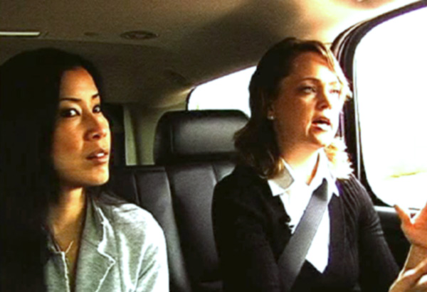 Lisa Ling and Carolyn Jessop in a polygamist community