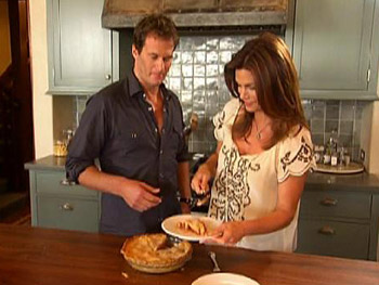 Cindy Crawford and Rande Gerber enjoy some pie.