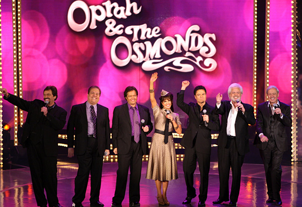 More than 100 Osmonds singing together