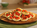 Pizzettes with Gorgonzola, Tomato and Basil