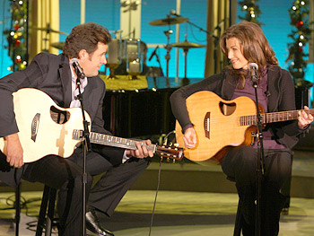 Amy Grant and Vince Gill perform 'True Love.'
