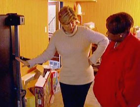 Suze Orman tours Kelly's home.