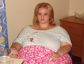 Kylie decides to undergo gastric bypass surgery.