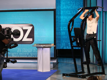 Dr. Oz demonstrates pull-ups.
