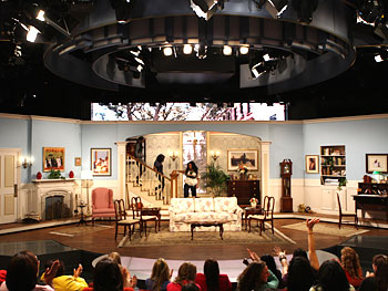 Living Room  on Behind The Scenes  Week Of August 25  2008   Oprah Com