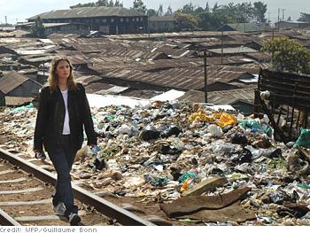 Drew Barrymore visits Nairobi's Kibera slums.