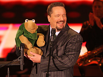 Terry makes with Oprah Show debut with Winston the Impersonating Turtle