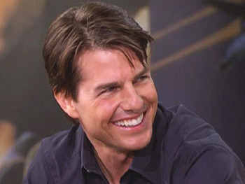 Tom Cruise talks about working as a team.