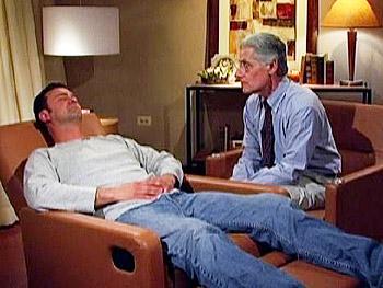 Dr. Brian Weiss hypnotizes Leon.