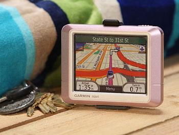 Garmin Nuvi 250 navigator in pink