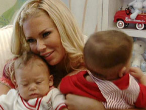 Jenna Jameson with her twin sons, Jesse and Journey