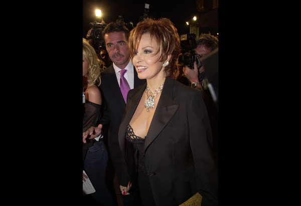 Raquel Welch in 2001