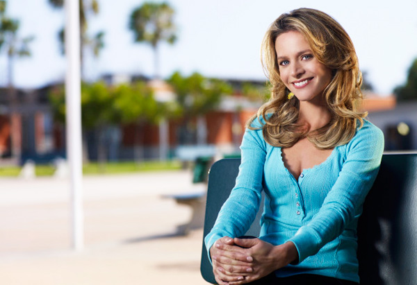 Jessalyn Gilsig as Terri Schuester