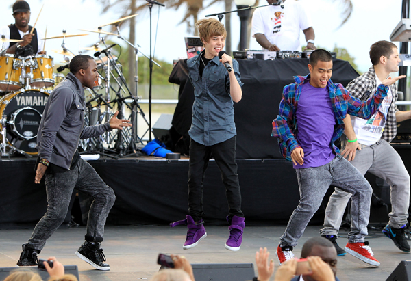 Justin Bieber performs on the CBS Morning Show