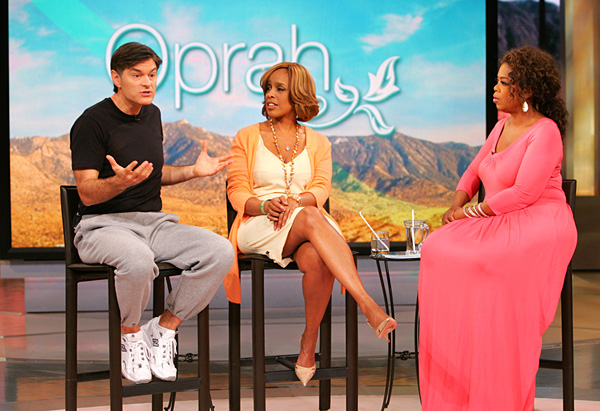 Dr. Oz says most people do not breathe correctly.