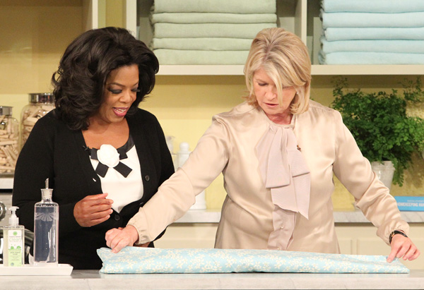 how to fold a fitted sheet - How To Fold Fitted Sheets