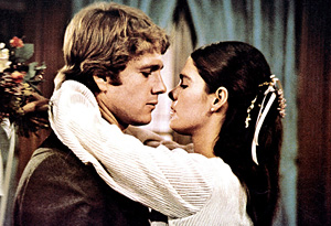 Ali MacGraw and Ryan O'Neal