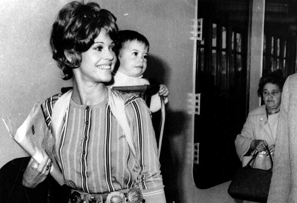 Jane Fonda walks with her daughter, Vanessa Vadim, in 1969