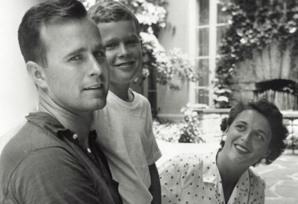 President George W. Bush, Barbara Bush, George Bush