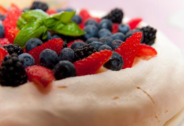 Pavlova - Australian food