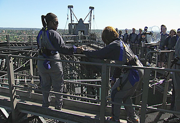 316 climbers on top of Sydney Harbor Bridge