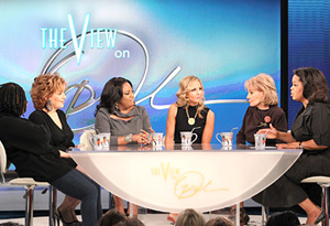 The View cast with Oprah