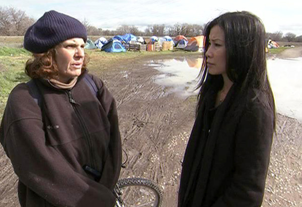 Lisa Ling and a tent city resident