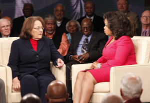 Oprah sits with Freedom Rider activist Diane Nash on her show