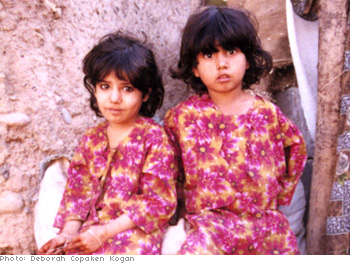 Sisters at the Katcha Garhi refugee camp